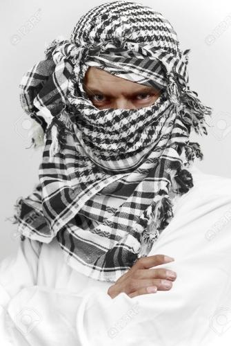 10919361-stern-arabe-musulman-en-keffieh-shemagh2.jpg